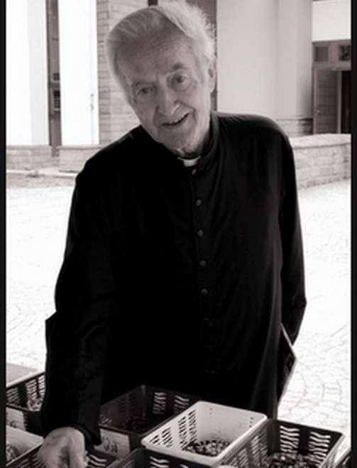 31 marca na cmentarzu w Mogilnie pożegnaliśmy śp. Ks. Eugeniusza Strojnego